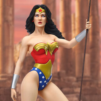 Wonder Woman statue by Enesco, LLC